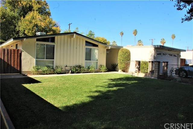 7901 Kentland Avenue, West Hills, CA 91304 (#SR20246685) :: Arzuman Brothers