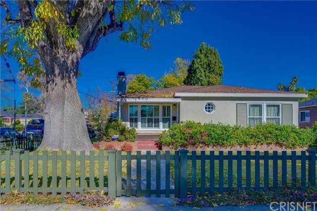 14755 Albers Street, Sherman Oaks, CA 91411 (#SR21007208) :: Randy Plaice and Associates