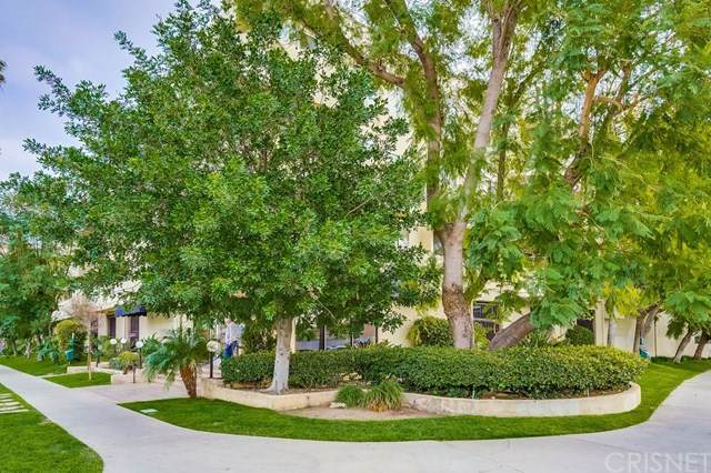 19350 Sherman Way #318, Reseda, CA 91335 (#SR21007400) :: Harcourts Bella Vista Realty