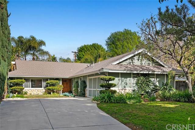 19735 Halsted Street, Chatsworth, CA 91311 (#SR21008409) :: Randy Plaice and Associates
