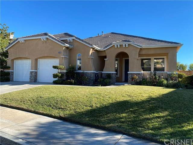 28816 Sugar Bliss Place, Saugus, CA 91390 (#SR21008707) :: Eman Saridin with RE/MAX of Santa Clarita
