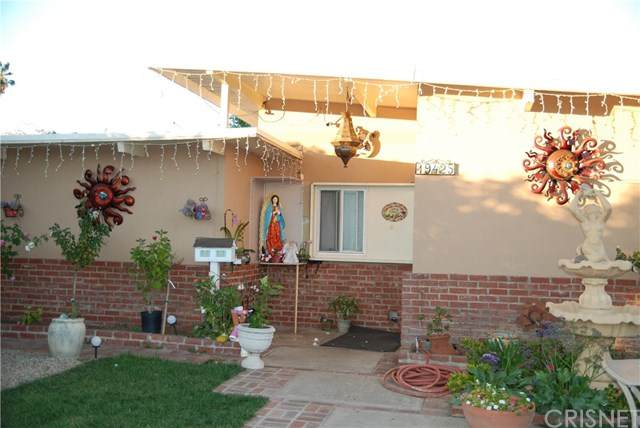 19425 Saticoy Street, Reseda, CA 91335 (#SR21009439) :: Harcourts Bella Vista Realty