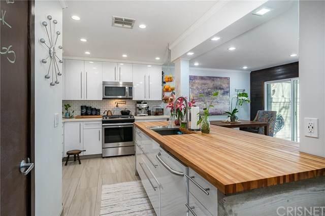 22111 Burbank Boulevard #3, Woodland Hills, CA 91367 (#SR21013400) :: Harcourts Bella Vista Realty