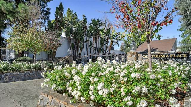 18645 Hatteras Street #272, Tarzana, CA 91356 (#SR21013746) :: Berkshire Hathaway HomeServices California Properties
