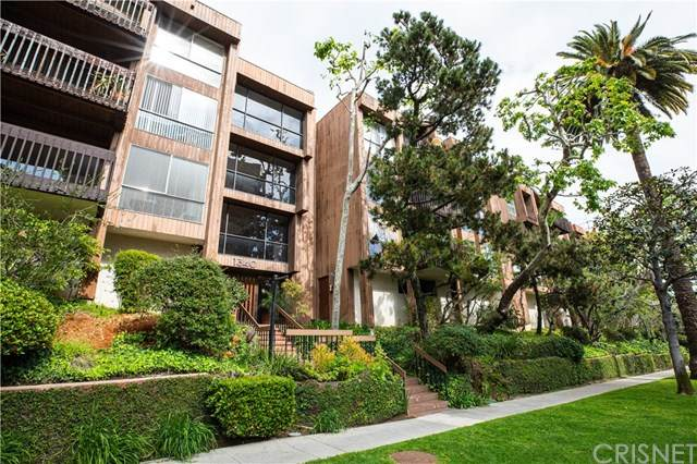 1340 S Beverly Glen Boulevard #209, Los Angeles, CA 90024 (#SR21014196) :: TruLine Realty