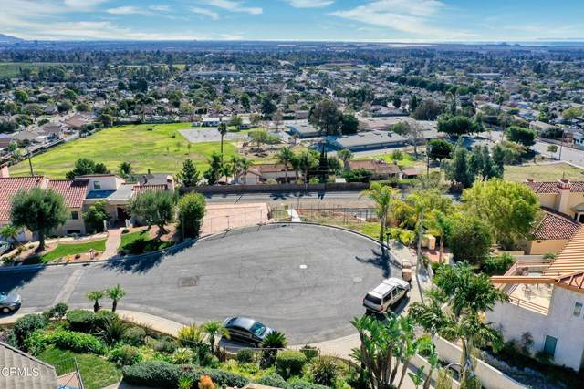6036 Cobblestone Drive, Ventura, CA 93003 (#V1-3568) :: The Suarez Team