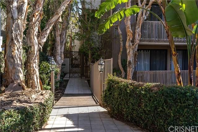 450 San Vicente Boulevard #302, Santa Monica, CA 90402 (#SR21015766) :: Montemayor & Associates