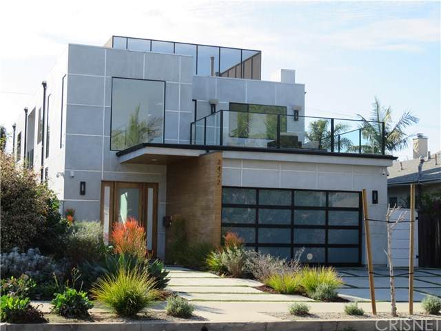 2422 32nd Street, Santa Monica, CA 90405 (#SR21016970) :: The Suarez Team