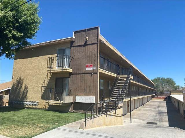 5041 W Avenue L14 #11, Lancaster, CA 93536 (#SR21017360) :: Berkshire Hathaway HomeServices California Properties