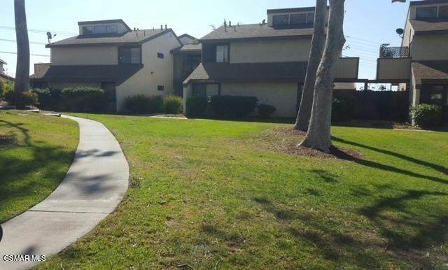 5204 Longfellow Way, Oxnard, CA 93033 (#221000433) :: Berkshire Hathaway HomeServices California Properties