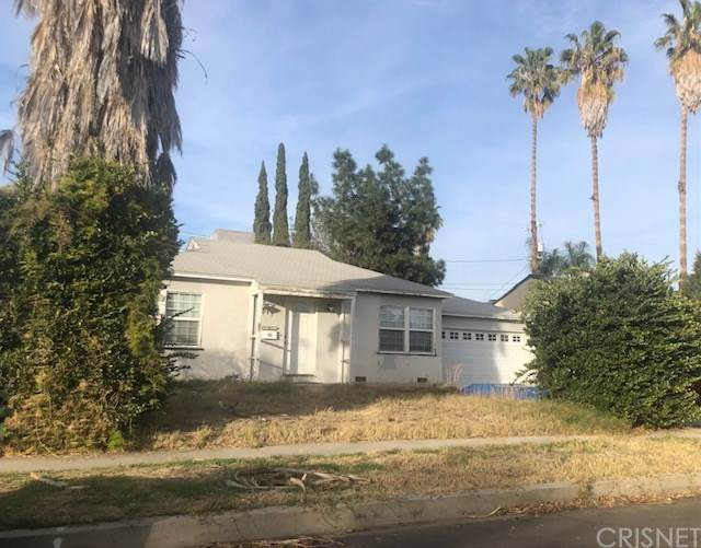 16925 Gault Street, Lake Balboa, CA 91406 (#SR21021136) :: Berkshire Hathaway HomeServices California Properties