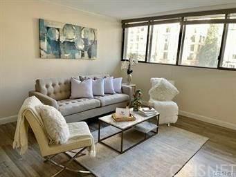 10535 Wilshire Boulevard D01, Los Angeles, CA 90024 (#SR21029965) :: Berkshire Hathaway HomeServices California Properties