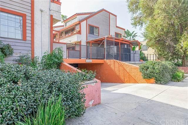 15946 Vanowen Street #101, Lake Balboa, CA 91406 (#SR21028509) :: Berkshire Hathaway HomeServices California Properties
