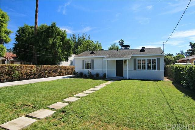 15532 Leadwell Street, Van Nuys, CA 91406 (#SR21033164) :: The Grillo Group
