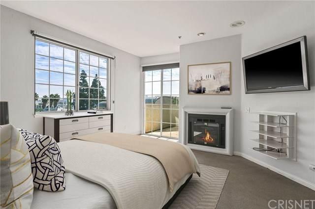 7218 Hillside Avenue #304, West Hollywood, CA 90046 (#SR21034521) :: Berkshire Hathaway HomeServices California Properties