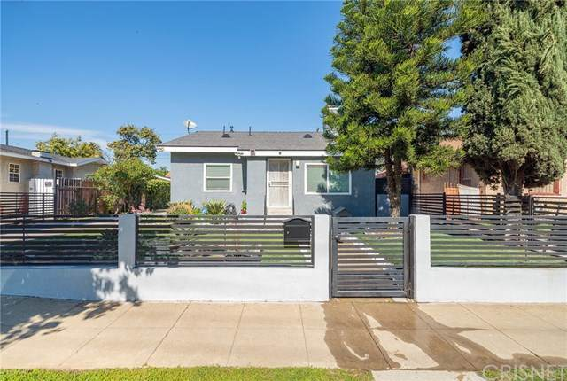 1045 W 78th Street, Los Angeles, CA 90044 (#SR21035534) :: Lydia Gable Realty Group