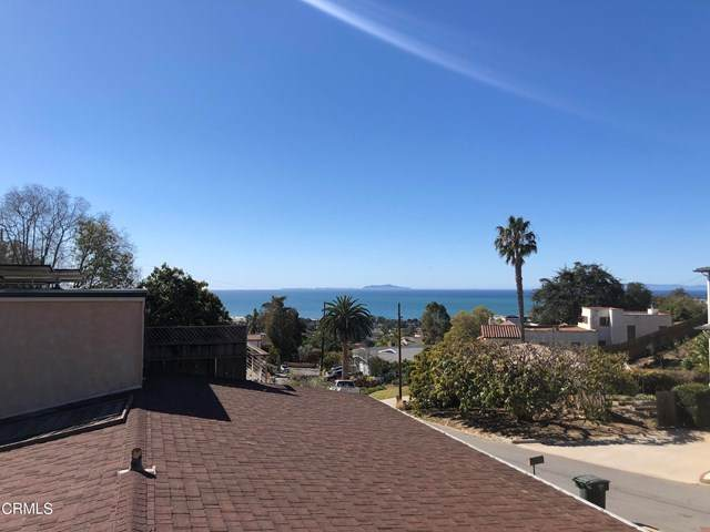 384 Manzanita Avenue, Ventura, CA 93001 (#V1-4064) :: Berkshire Hathaway HomeServices California Properties