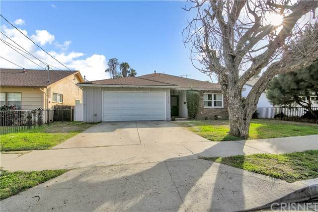14132 Runnymede Street, Van Nuys, CA 91405 (#SR21031829) :: The Grillo Group