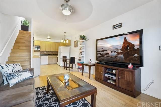 11005 Kittridge Street #109, North Hollywood, CA 91606 (#SR21037677) :: Berkshire Hathaway HomeServices California Properties