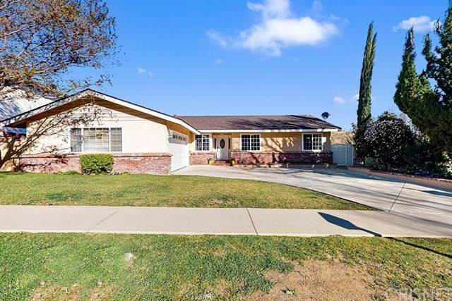 27216 Garza Drive, Saugus, CA 91350 (#SR21039339) :: The Grillo Group