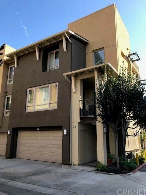5401 W 149th Place #2, Hawthorne, CA 90250 (#SR21030961) :: The Grillo Group