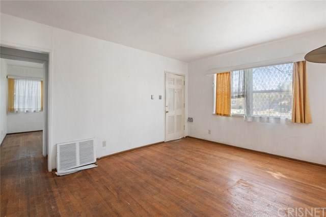 19031 Bassett Street, Reseda, CA 91335 (#SR21040832) :: Berkshire Hathaway HomeServices California Properties
