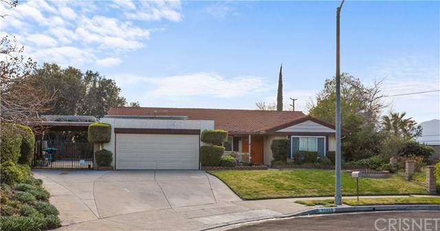 10965 Gazette Avenue, Chatsworth, CA 91311 (#SR21028876) :: The Grillo Group