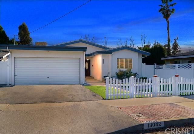 13042 Aetna Street, Valley Glen, CA 91401 (#SR21034505) :: TruLine Realty