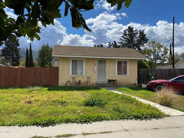 816 E Pleasant Street, Santa Paula, CA 93060 (#V1-4563) :: Angelo Fierro Group | Compass