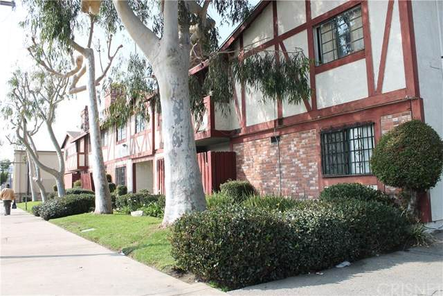 13961 Osborne Street #206, Arleta, CA 91331 (#SR21072514) :: Berkshire Hathaway HomeServices California Properties