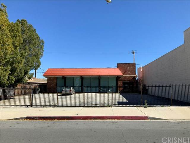27016 Langside Avenue, Canyon Country, CA 91351 (#SR21072588) :: Lydia Gable Realty Group
