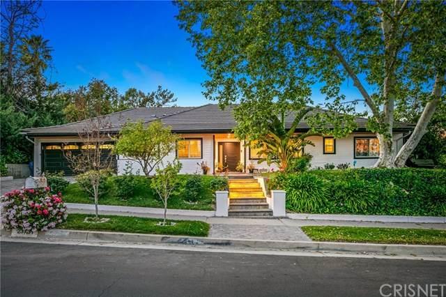 23731 Clarendon Street, Woodland Hills, CA 91367 (#SR21074983) :: TruLine Realty