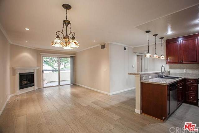 5500 Owensmouth #111, Woodland Hills, CA 91367 (#SR21074741) :: Lydia Gable Realty Group