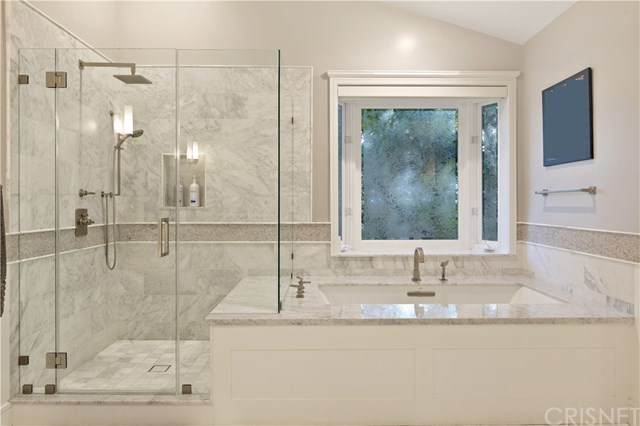 22950 Erwin Street, Woodland Hills, CA 91367 (#SR21081595) :: Randy Plaice and Associates
