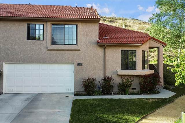 20047 Avenue Of The Oaks #224, Newhall, CA 91321 (#SR21086997) :: Montemayor & Associates
