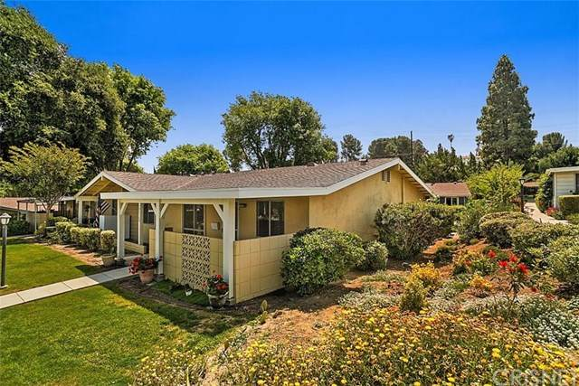 19216 Avenue Of The Oaks A, Newhall, CA 91321 (#SR21092607) :: Montemayor & Associates