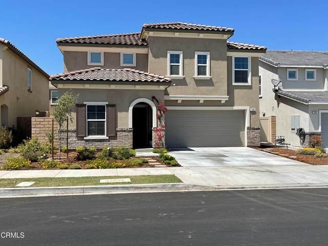 366 Autumn Path Lane, Santa Paula, CA 93060 (#V1-5591) :: Berkshire Hathaway HomeServices California Properties