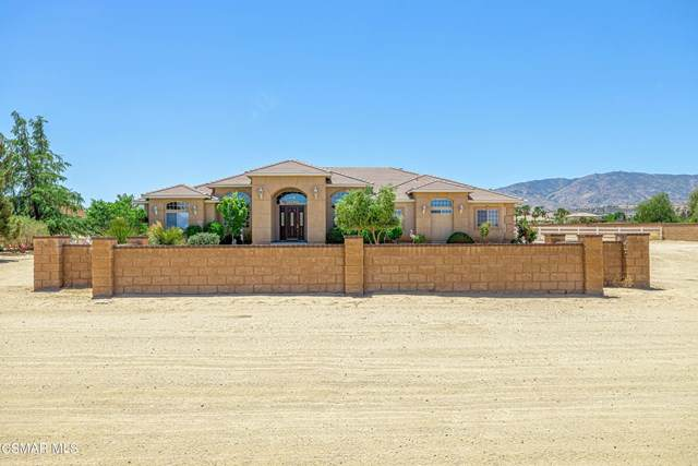 2350 W Avenue O-8, Palmdale, CA 93551 (#221002408) :: Berkshire Hathaway HomeServices California Properties