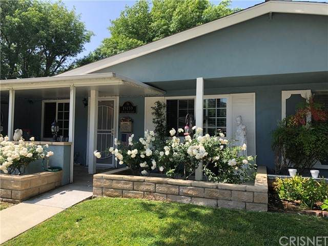 19139 Avenue Of The Oaks B, Newhall, CA 91321 (#SR21098616) :: Randy Plaice and Associates