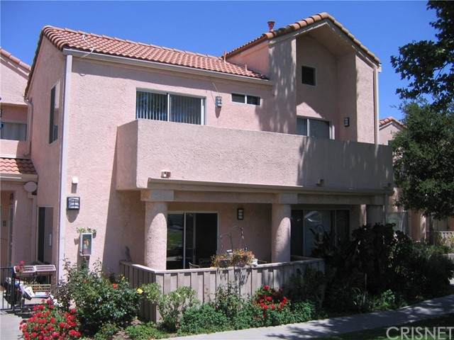 24432 Valle Del Oro #202, Newhall, CA 91321 (#SR21100389) :: Montemayor & Associates