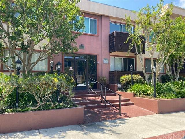 5349 Newcastle Avenue #61, Encino, CA 91316 (#SR21095088) :: Lydia Gable Realty Group