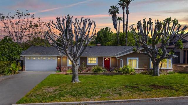 1329 Calle Gomero, Thousand Oaks, CA 91360 (#V1-5759) :: Lydia Gable Realty Group
