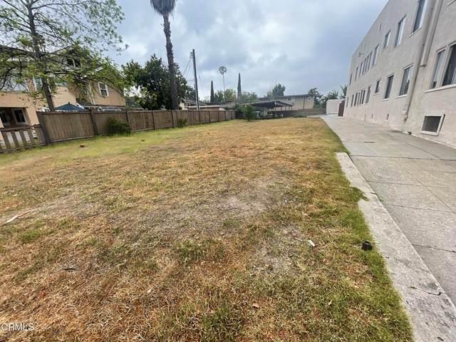 1017 N Los Robles Avenue, Pasadena, CA 91104 (#P1-4833) :: TruLine Realty