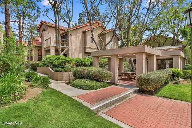 2384 Archwood Lane #13, Simi Valley, CA 93063 (#221002757) :: Berkshire Hathaway HomeServices California Properties