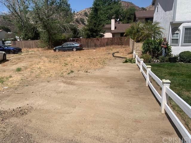 28639 Harding, Val Verde, CA 91384 (#SR21110365) :: The Grillo Group