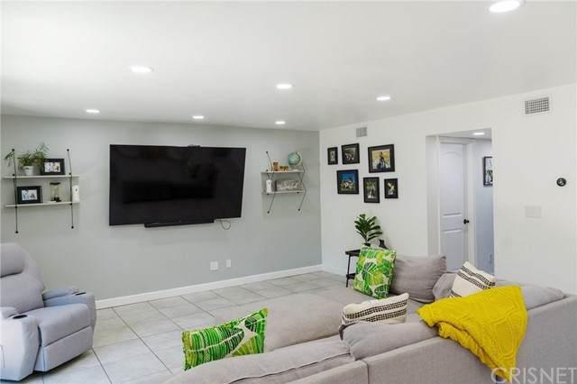 9120 Telfair Avenue #13, Sun Valley, CA 91352 (#SR21113453) :: Montemayor & Associates