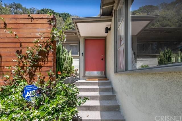 3015 Ledgewood Drive, Hollywood Hills, CA 90068 (#SR21118697) :: Montemayor & Associates