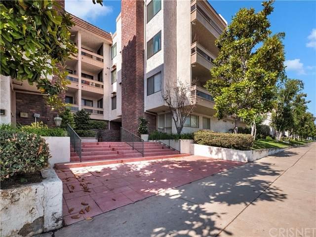 17140 Burbank Boulevard #108, Encino, CA 91316 (#SR21119420) :: Compass