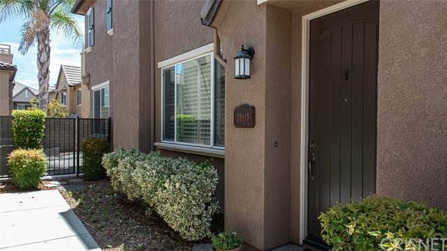 28413 Casselman Lane #421, Saugus, CA 91350 (#SR21121710) :: Montemayor & Associates