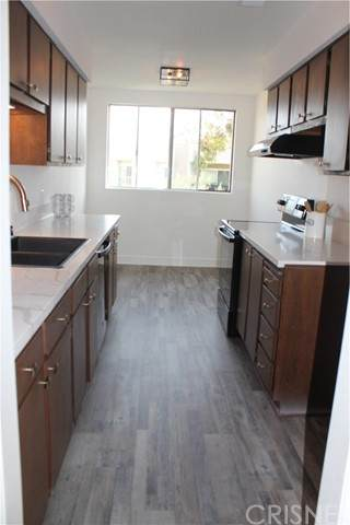 5304 Raintree Circle, Culver City, CA 90230 (#SR21122205) :: Montemayor & Associates